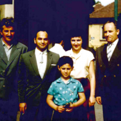 Dale at the tender age of 6 with the father Stan Sklar and colleagues from the wine trade